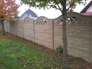 Betonový plot je designová záležitost /